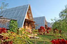 Telha ecológica, alternativa sustentável para sua obra! Chalé de tijolos solo-cimento, madeira de reflorestamento e telhas ecológicas