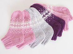 Life with Mari: Ohjeet Lace Socks, Crochet Socks, Knitted Slippers, Knitting Socks, Knit Crochet, Knitting Charts, Knitting Patterns Free, Free Knitting, Woolen Socks