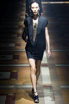 Lanvin Spring 2015 Ready-to-Wear Fashion Show - Violetta Sanchez