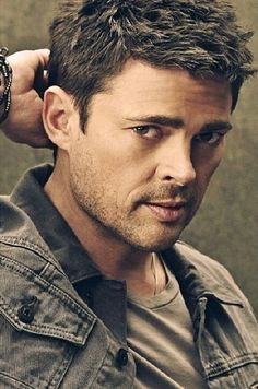 The lovely Karl Urban from Almost Human...