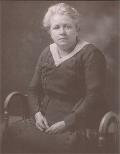 Elizabeth MaryAnna (Richert) Mathie, my great-grandmother. She was the wife of Clarence Delos Mathie.