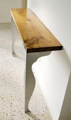 consola - recibidor hecho con dos patas de IKEA tipo Fintorp y un tablero de madera