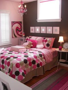 LOVE the bedding! http://www.roomzaar.com/rate-my-space/Girls-Rooms/Tween-Room-for-my-10-Year-Old-Daughter/detail.esi?oid=510392