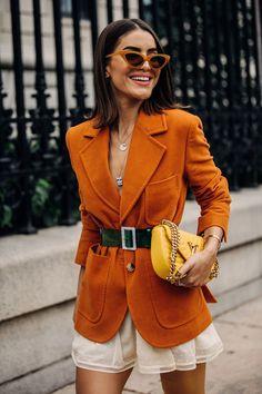 Women's Fashion – Street Style: New York Fashion Week Primavera Estate 2019 – Vogue.it Women's Clothing – Street Style: New York Fashion Week Primavera Estate 2019 – Vogue. Cool Street Fashion, Look Fashion, New Fashion, Trendy Fashion, Autumn Fashion, Womens Fashion, Fashion Trends, Ladies Fashion, British Fashion
