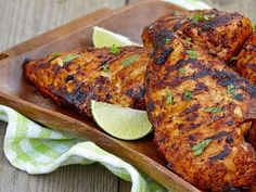Poulet aigre-doux au BBQ Naan, Tandoori Chicken, Bbq, Cooking Recipes, Ethnic Recipes, Passion, Food, Barbecue Chicken, Barbecue