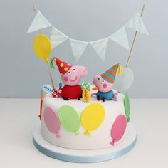 Love this Peppa Pig birthday cake! I must have this for Maddie's birthday! Tortas Peppa Pig, Bolo Da Peppa Pig, Cumple Peppa Pig, Peppa Pig Birthday Cake, Birthday Cake Toppers, Peppa Pig Y George, George Pig Party, George Pig Cake, Novelty Cakes