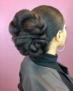 @ebonybomani Battle of the #buns! teamnatural_ #curlsaunaturel #myhaircrush #voiceofhair #cachos #healthyhairjourney #protectivestyles #naturallyshesdope #berrycurly #naturalhaircommunity #kinky_chicks1 #twa #unconditionedroots #blackgirlmagic #naturalhairdoescare #washandgo #naturalchixs #4chairchicks #naturalhair #crochet #branding #beautifulhair #hair2mesmerize #amazingnaturalhair #hudabeauty #curlyhairkillas
