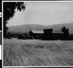 Store in Borrego, showing cars, a gas pump and a garrage, ca.1939 :: California Historical Society Collection, 1860-1960