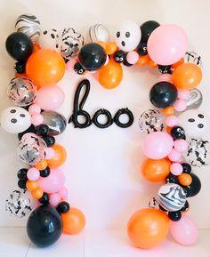 Modern Halloween, Pink Halloween, Halloween Food For Party, Diy Halloween Decorations, Spooky Halloween, Halloween Themes, Halloween Birthday Decorations, Halloween First Birthday, Halloween Dessert Table