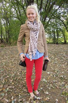 Pile on the layers of #FallFashion with a great floral scarf & comfy jacket!
