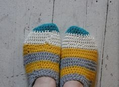 Pippy- slippers, free pattern from Craft Recipes.