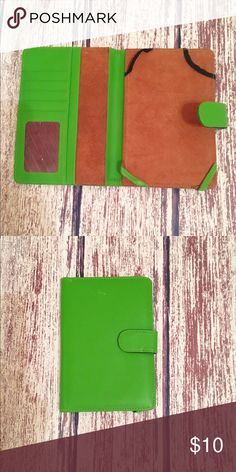 Kindle Fire cover/wallet Green leather/pleather? kindle fire cover/wallet. It could very well be real leather I honestly don't know! 😋 Accessories