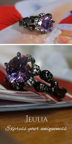 Idée et inspiration Bijoux :   Image   Description   Jeulia Black Round Cut Created Amethyst Four Skull Ring