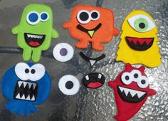 Monster Game Toy Felt Game Busy Book Quiet Felt Board 5 Monsters 7 mouth pieces 7 eye pieces Classic Game