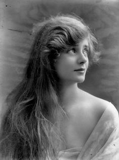 Star of the day -- Actress Evelyn Laye - 1917