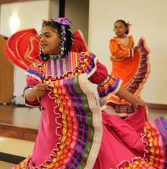 World-Refugee-Day-Event-El-Grito-de-la-Cultura-Folk-Dance-Acadamy-by-pam-marino-good-neighbor-stories