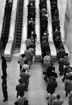 by Sabine Weiss, Grand Central Terminal, New York, 1955 Urban Photography, Vintage Photography, Film Photography, Street Photography, Sabine Weiss, French Photographers, Pictures Of People, Creative Photos, Black And White Pictures