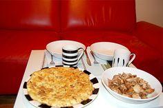 Tortilla de patatas con pollo al ajillo #spain #food
