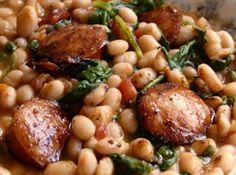 White Beans with Spinach & Sausage Recipe - - I love food - Sausage Recipes Crock Pot Recipes, Pork Recipes, Cooking Recipes, Healthy Recipes, Healthy Foods, Locarb Recipes, Turkey Kielbasa Recipes, Parmesan Recipes, Atkins Recipes