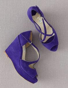 I've spotted this @BodenClothing Crossover Wedges Periwinkle
