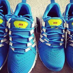 かなり遅れたけど、妻へのX'masプレゼント。  ちゃっかり自分用も(* ̄∇ ̄)ノ  #nikeid  #nikeidfree #10thanniversary #X'mas #present Nike Id, Running Shoes, Adidas Sneakers, Instagram Posts, Fashion, Runing Shoes, Moda, Fashion Styles, Fashion Illustrations