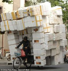 Chinese drivers abandon all caution as they go to extraordinary lengths to transport goods SHANGHAI, CHINASHANGHAI, CHINA We Are The World, People Around The World, Around The Worlds, Incredible India, Amazing, Awesome, Cool Pictures, Funny Pictures, Taj Mahal