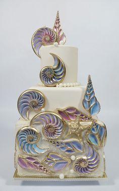 cross-cut conch cake decoration