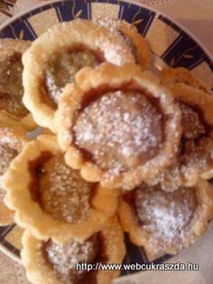 Gesztenyés havas piramisok Waffles, Pancakes, Breakfast, Google, Dios, Morning Coffee, Waffle, Pancake, Crepes