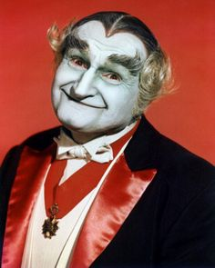 Vovô Monstro/El Abuelo/Grandpa #AlLewis #TheMunsters Thanks For The Memories, Classic Monsters, Dracula, The Munsters, Munsters Tv Show, Favorite Tv Shows, Adams Family, Munster Family, Real Monsters