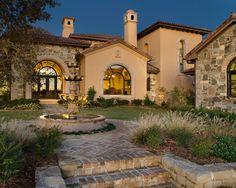 Classic Style Home Design: Vaquero Tuscan house: Fascinating Vaquero Tuscan Garden Beautiful Fountain Water Feature