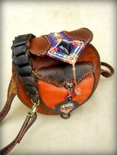 Leather Shoulder Bag Purse with Micro Macrame Inlay por Elquino
