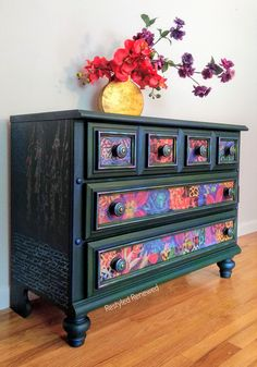 furniture store Bold and vibrant colors on this dresser. I used prima redesign transfers In Flight and Patchwork. Colorful and whimsical furniture. Full of vibrant colors and shimmer waxes. Buy transfers and waxes in my online store. Funky Painted Furniture, Recycled Furniture, Colorful Furniture, Art Furniture, Painted Dressers, Bohemian Furniture, Furniture Removal, Plywood Furniture, Furniture Stores