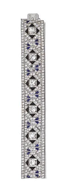 van cleef and arpels bra Gems Jewelry, Fine Jewelry, Van Cleef And Arpels Jewelry, Art Nouveau Jewelry, Royal Jewels, Art Deco Diamond, Diamond Bracelets, Bangles, Diamond Cuts