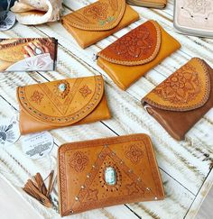 Leather Wallets and Clutches Tooled Leather, Leather Clutch, Leather And Lace, Leather Handbags, Leather Tooling Patterns, Bohostyle, Leather Bags Handmade, Leather Projects, Leather Working