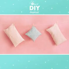 Kissenhüllen nähen Sewing pillow cases with hotel closure for sewing beginners – sewing instructions via Makerist. Sewing Pillow Cases, Sewing Pillows, Diy Pillows, Sewing Machine Projects, Sewing Projects For Beginners, Sewing For Kids, Sewing Kids Clothes, Sewing Diy, Christmas Sewing Projects