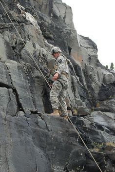 A student at the U.S. Army Northern Warfare Training Center Basic Mountaineering Course. (U. S. Army photo by Staff Sgt. Trish McMurphy, USARAK Public Affairs)