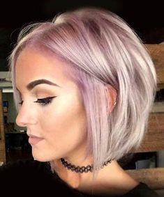 26 Cute Short Haircuts That Aren't Pixies Edgy Bob Hairstyles, Edgy Short Haircuts, Hairstyles For Round Faces, Office Hairstyles, Anime Hairstyles, Stylish Hairstyles, Hairstyles Videos, Hairstyle Short, School Hairstyles
