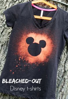 Bleached out Disney tshirts that families and kids will love! Make this DIY Disney tee today as a family fun activity! #teachmama #diy #disney #DIYdisney #diyshirts #diyfamily #diyfun #Diyforkids #teeshirts