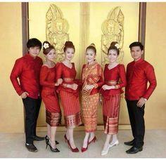 Laos Wedding, Wedding Wear, Traditional Wedding Dresses, Traditional Outfits, Mature Fun, Kebaya Lace, Thai Dress, Costume Patterns, Brokat