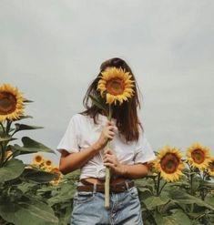 girl, sunflower, and aesthetic kép Sunflower Fields, Yellow Sunflower, Landscape Illustration, Illustration Art, Mellow Yellow, Portrait Photography, Hipster Photography, Rain Photography, Friend Photography