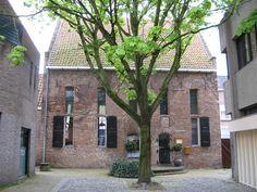 Restaurant 't Pestengasthuys aan het Weversgildeplein 1 in Zwolle