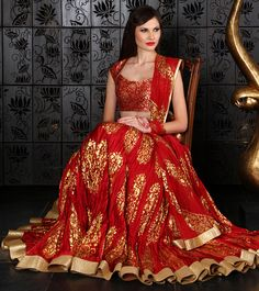 The tradtional style of this lengha is so alluring! - it would be great on something like a mendhi night - its light comfortable - no embroidered bits to annoy you whilst your mendhi is being done