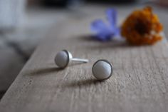 Round silver studs earrings , tiny cute pearl white marble stone post earrings, white round stone studs, everyday little ball stud earrings by albertomilanese on Etsy