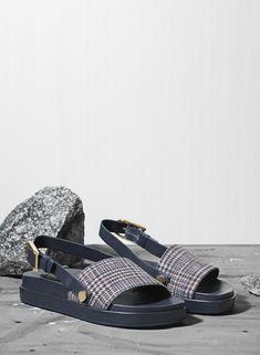 Shoes: Fording V sandals.
