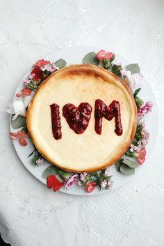 Danke Mama! Mit diesem Cheesecake bedanken wir uns bei der besten Mama der Welt Moet Chandon, Beste Mama, Food Porn, Foodblogger, Fabulous Foods, Bon Appetit, Camembert Cheese, Dairy, Eat