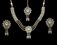 Party Wear White Kundan Pearls Gold Plated Indian Fashion Necklace Earrings Set