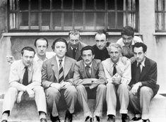 Grupo surrealista, 1933: Tristan Tzara, Paul Eluard, André Breton, Hans Arp, Salvador Dalí, Yves Tanguy, Max Ernst, René Crevel y Man Ray.