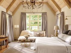 Bedrooms Rustic Bedroom by Suzanne Kasler Interiors A whitewashed-oak ceiling caps the master bedroom of an Atlanta home, which is pai. Dream Bedroom, Home Bedroom, Master Bedroom, Bedroom Decor, Pretty Bedroom, Master Suite, Bedroom Ceiling, Design Bedroom, Lilac Bedroom