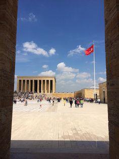 Mausoléu e Museu Ataturk em Ankara - Turquia ©Viaje Comigo22 Ankara, Louvre, Turkey, Building, Travel, Museum, Traveling, Places, Viajes