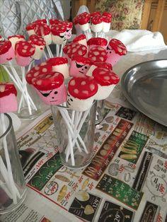 Pirate Marshmallow Pops